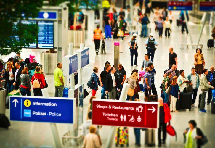 Die Sicherheitskontrolle am Flughafen auf gutshausblog.de